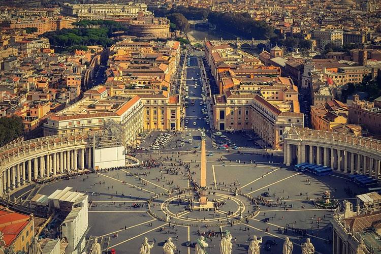 travel-destinations-city-circle